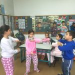 """משחקים ופעילויות סביב ספריית פיגמה והספר """"הינשוף שראה הפוך"""" בבית הספר ארלוזרוב בחדרה"""