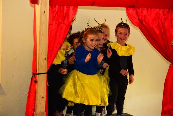 ילדי גן תאטרון בחיפה מציגים את הספר
